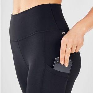 Fabletics XL Black Crop Side Pockets Leggings